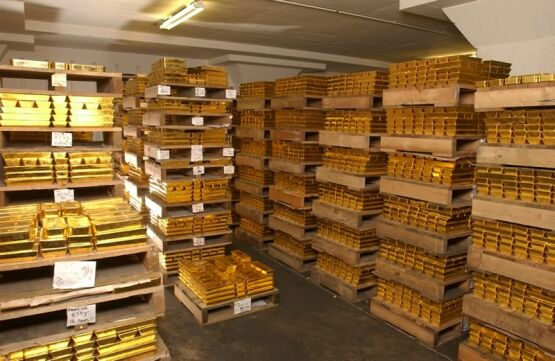 Gold trading above £1,342 ($1,900) early this morning